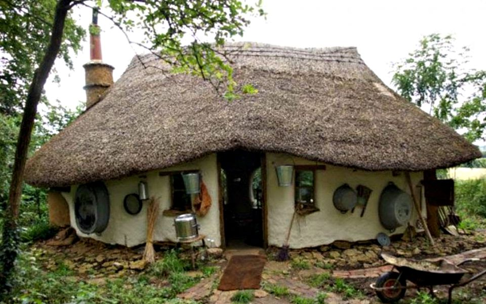 Michael Buck's cob house, Oxfordshire, UK. Photo: Michael Buck