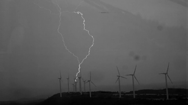 Wind turbine blades generate upward lightning